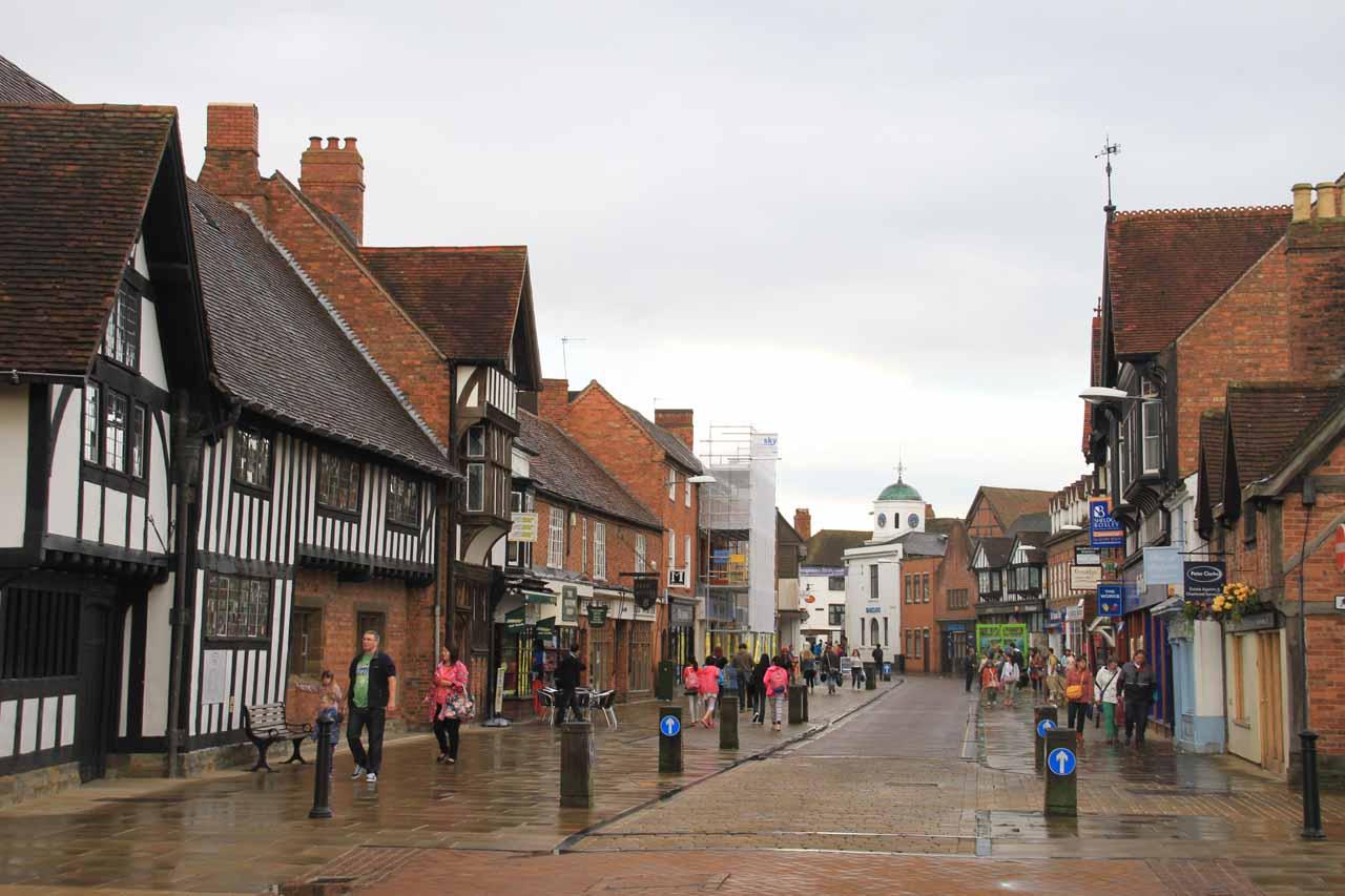 Walking amidst the attractive pedestrian throughfare of Stratford upon Avon