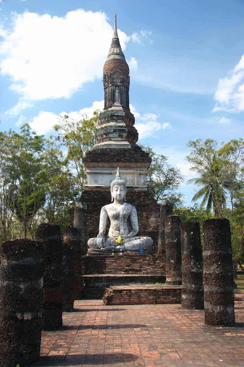 Buddha and chedi