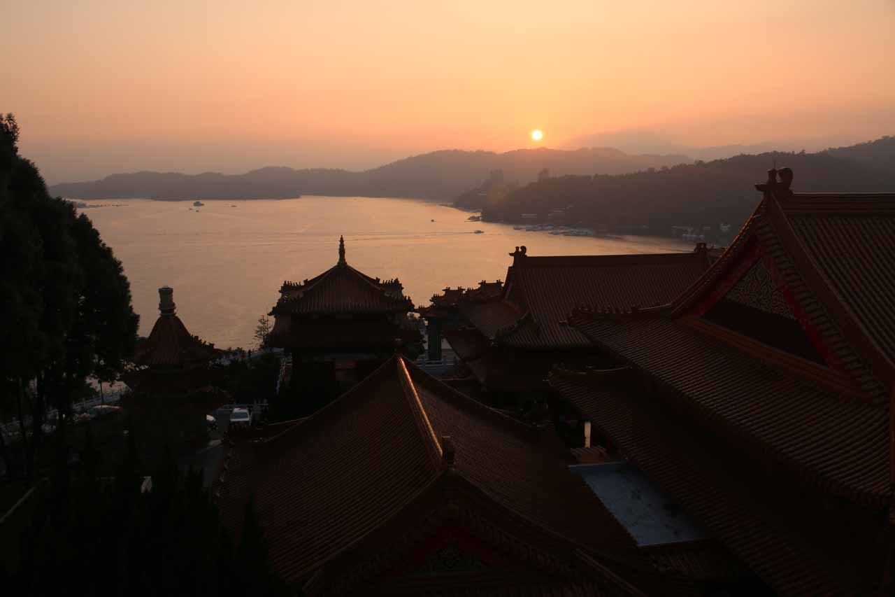 Not far north of the Shanlinhsi Nature Park was the Sun Moon Lake (日月潭 [Rìyuè Tán]), which was a famous lake near the geographic center of Taiwan