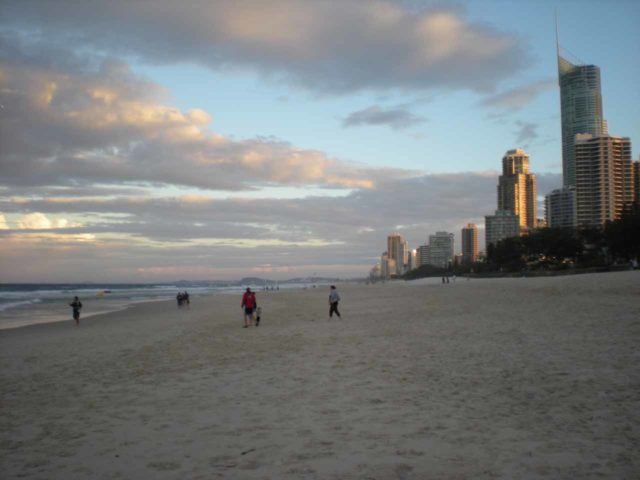 Surfers_Paradise_003_jx_05092008 - To the south of Brisbane was Surfers Paradise, which strangely reminded Julie and I of South Beach in Miami
