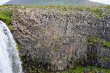 Svodufoss_053_08172021 - More focused look at the basalt columns adjacent to the brink of Svodufoss