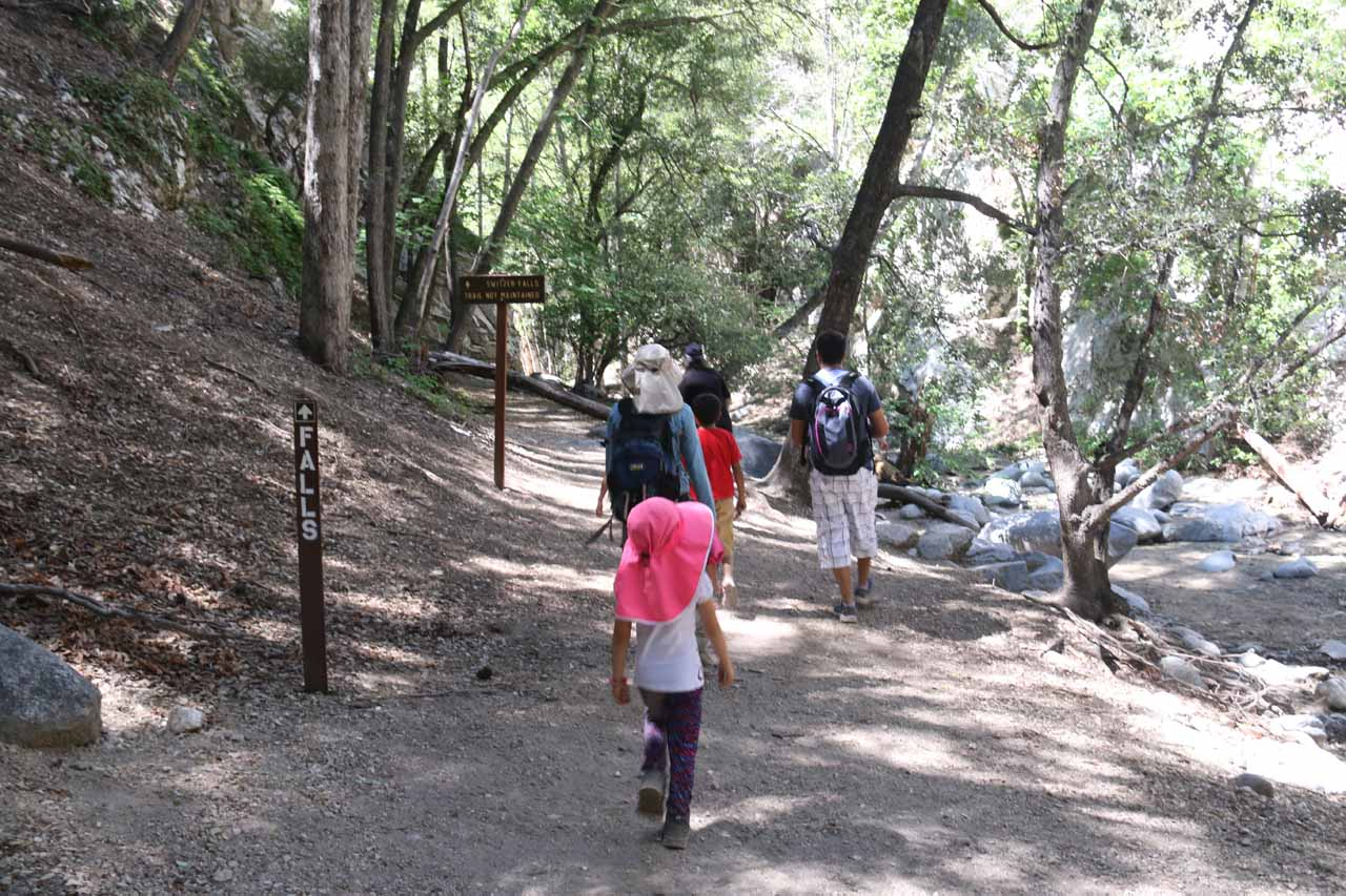 Turning left at the trail junction at the bottom of the descent to follow Arroyo Seco upstream towards the lowermost of the waterfalls
