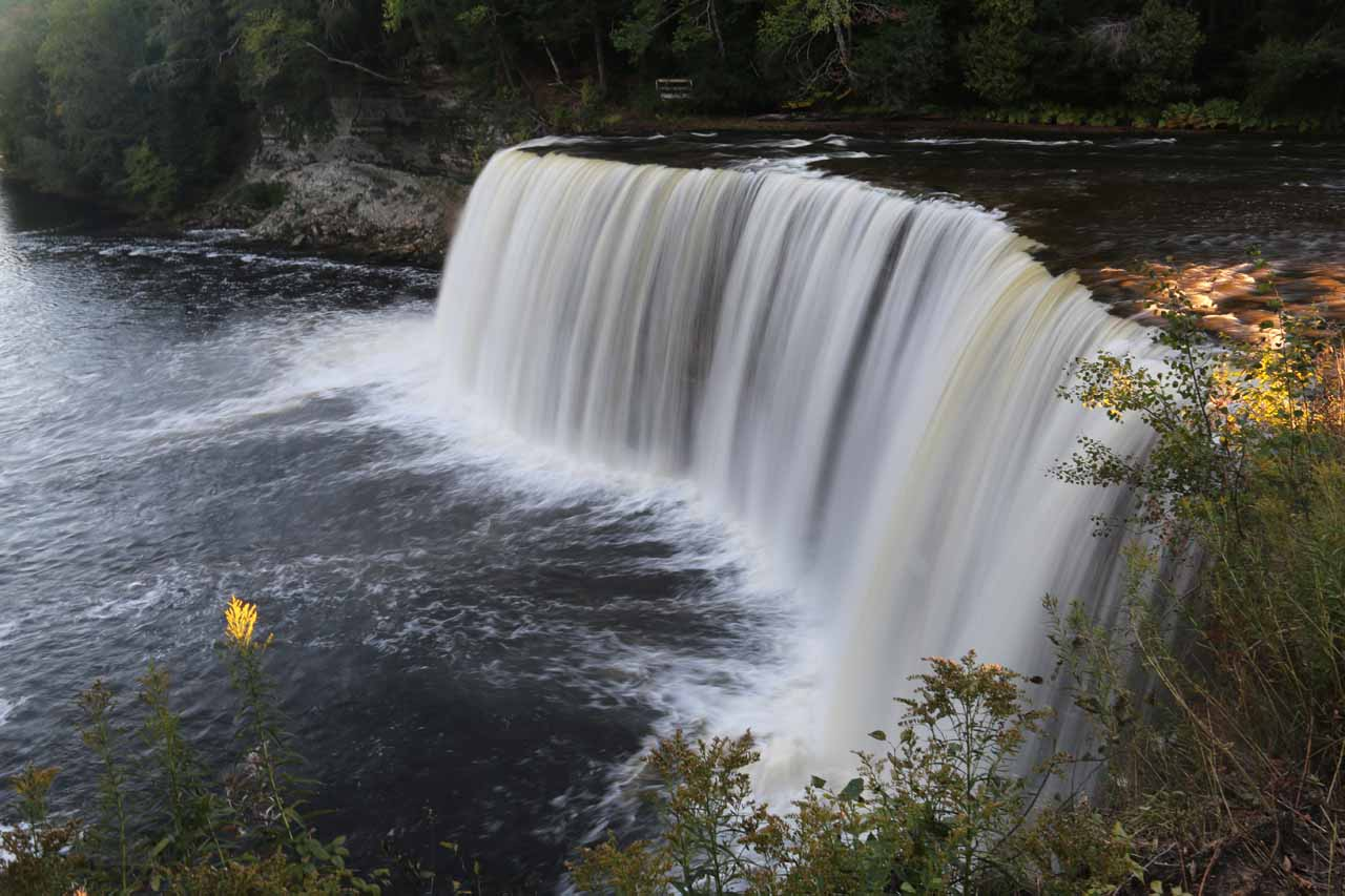 Angled view across the width of the Upper Tahquamenon Falls