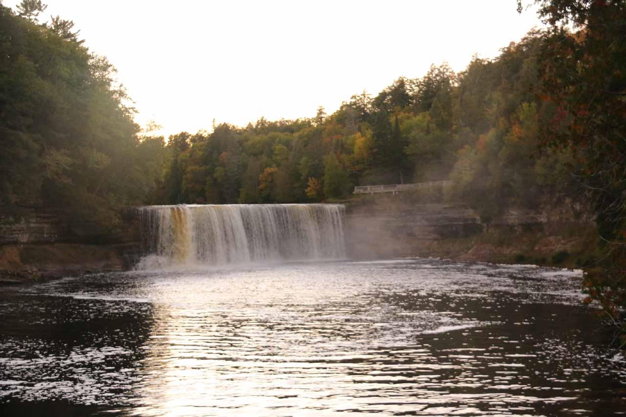 Direct view for the Upper Tahquamenon Falls