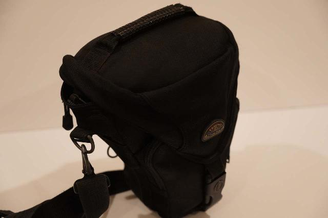 The Tamrac 5627 Pro Digital Zoom Holster Bag