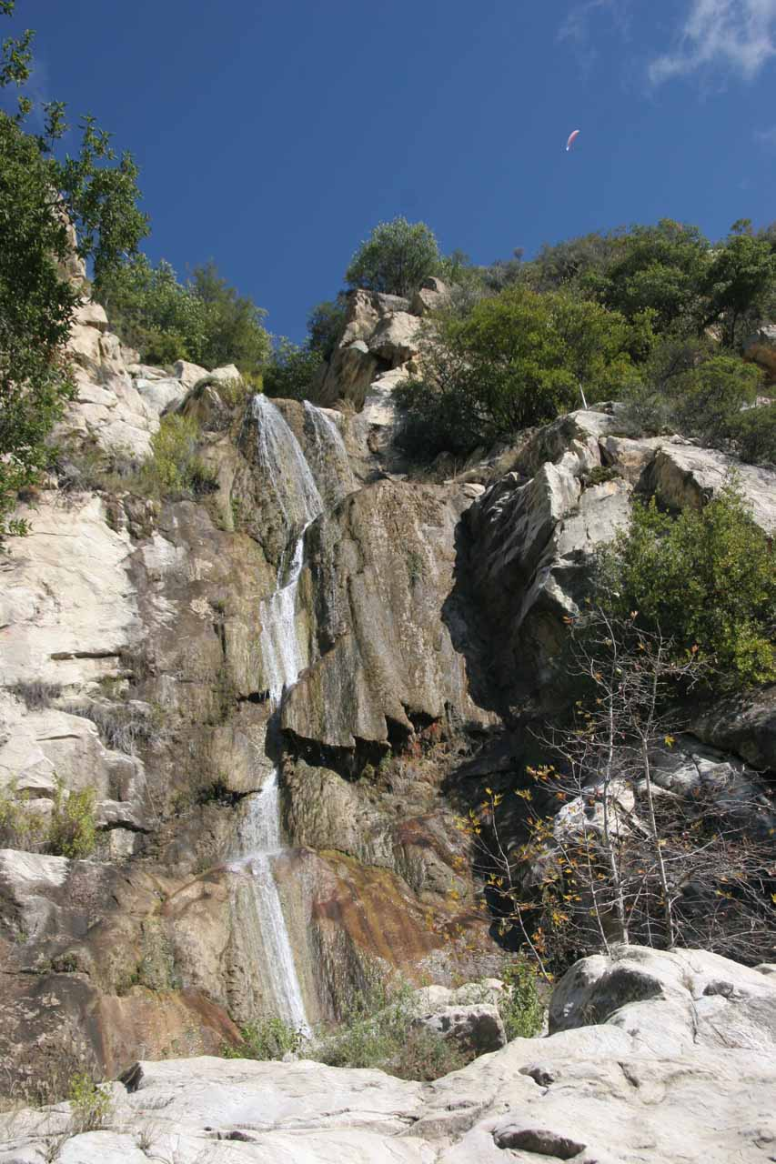 Hangliders above Tangerine Falls