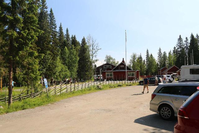 Tannforsen_001_07122019 - The car park for at the Tännforsen Tourist Station