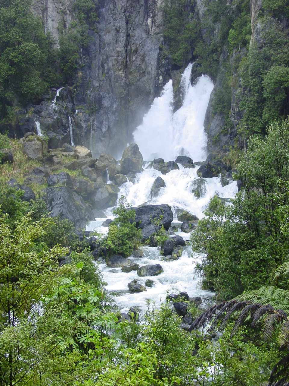A more focused look at Tarawera Falls