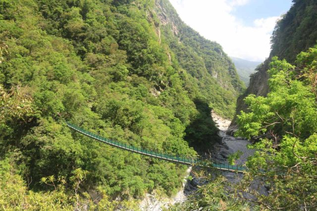 Taroko_Gorge_005_10262016 - Looking down across a swinging bridge spanning the width of the Taroko Gorge near the Swallow Grotto section