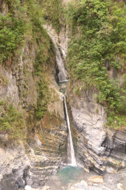 Taroko_Gorge_149_10262016 - One of the more impressive waterfalls that we noticed amongst the myriad of waterfalls around the Swallow Grotto section of the Taroko Gorge