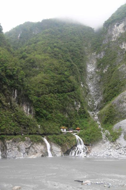 Taroko_Gorge_245_10262016 - Context of the Shrine of the Eternal Spring as seen across the Liwu River in a more open part of the Taroko Gorge