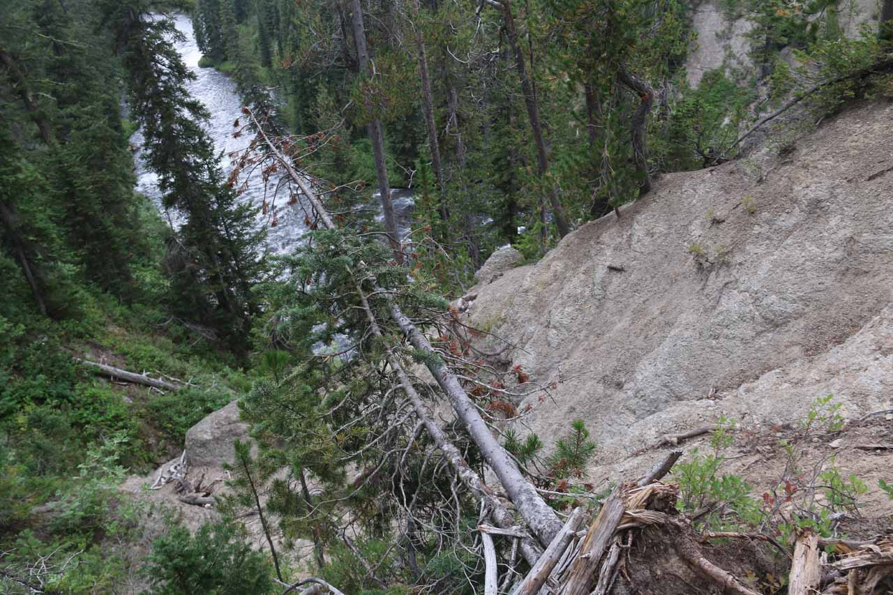 Despite the signs not being there during my recent visit in August 2017, this scramble down the gully was still steep and dangerous