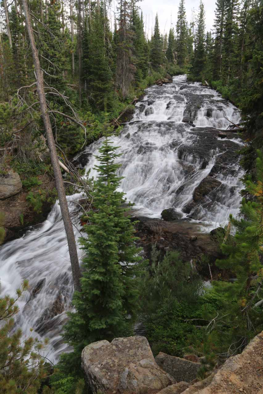 Barely 0.1 mile or so into the scramble, I made it down to this impressive view of the 'Cascade Creek Falls'