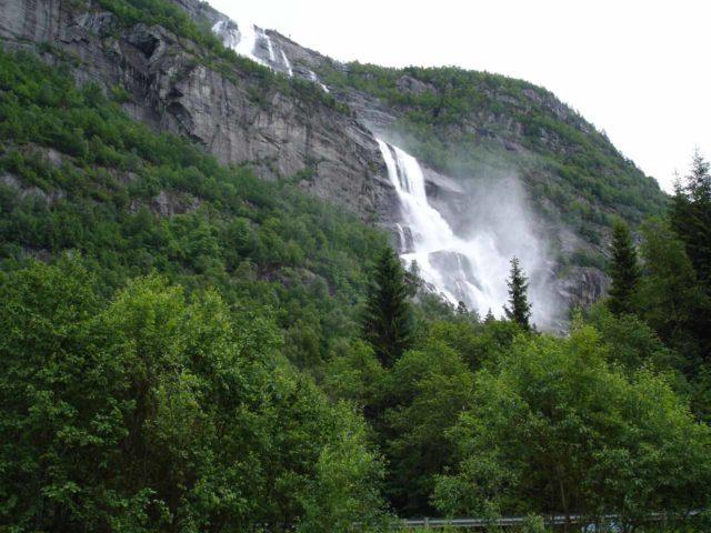 Tjornadalsfossen_001_jx_06242005 - Looking in the opposite direction of Strondsfossen towards Tjørnadalsfossen