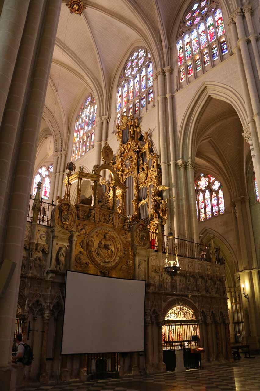 Another look at the grand interior of the Catedral de Toledo