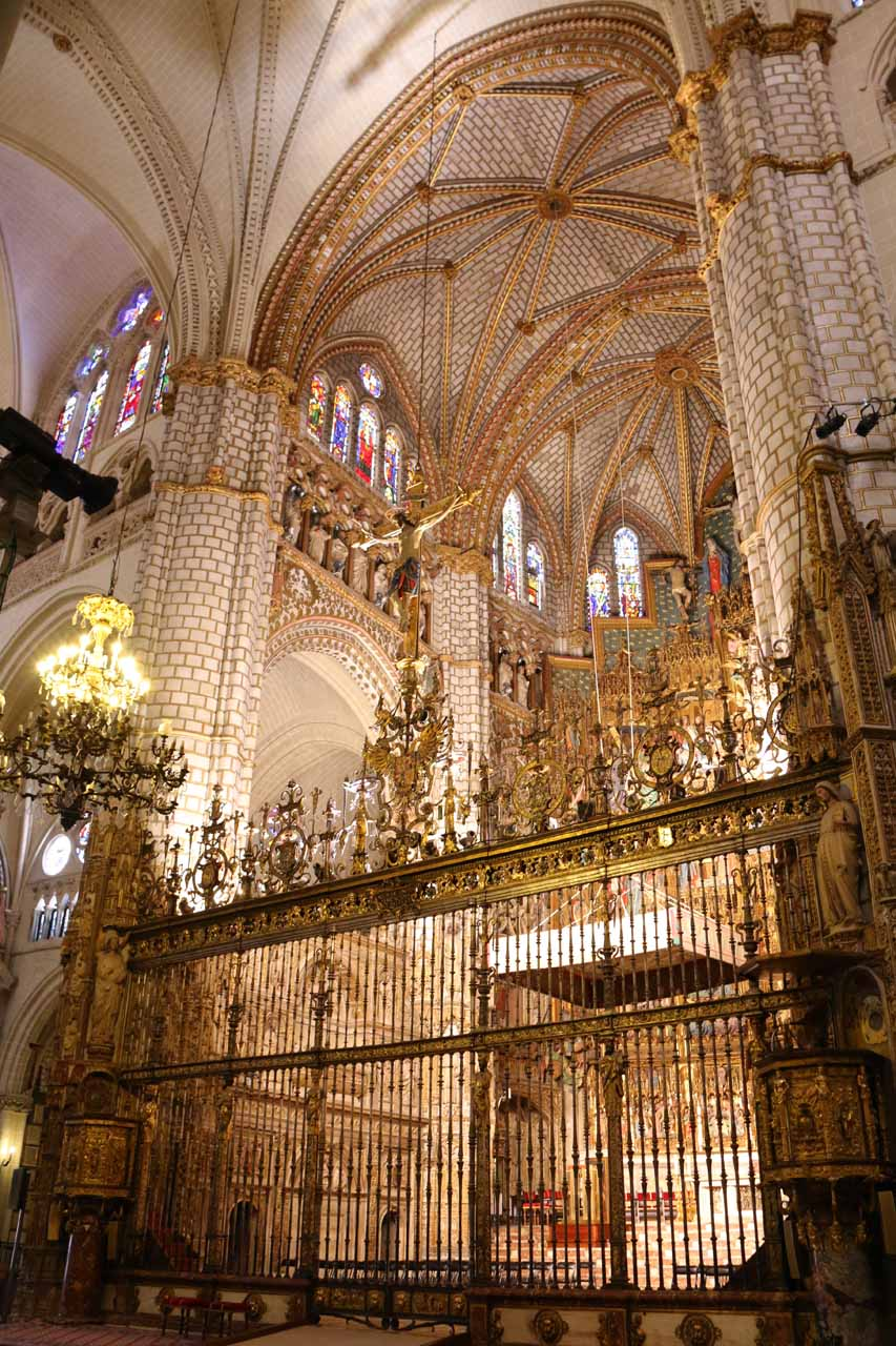 Looking towards the main altar of the Catedral de Toledo