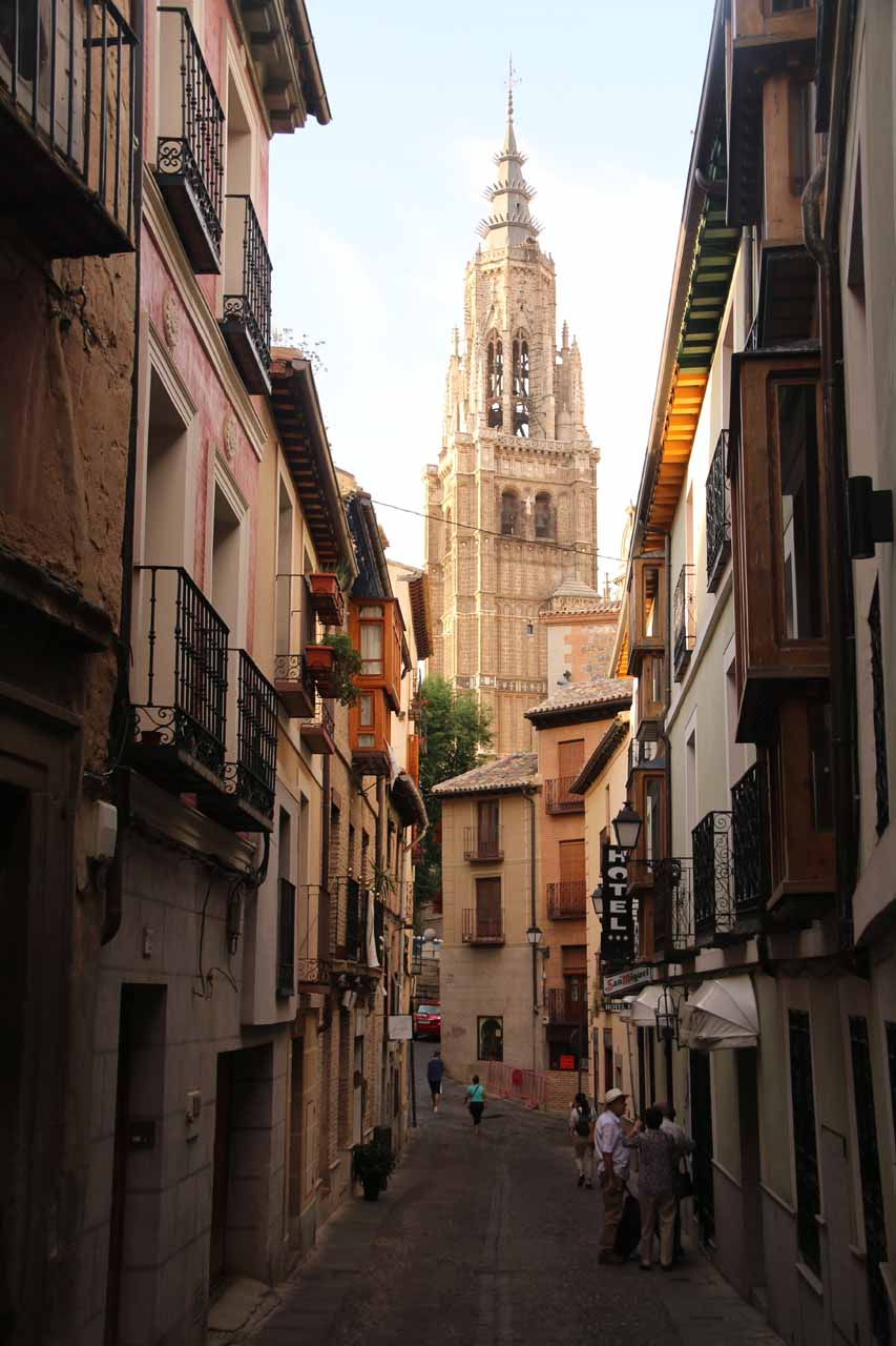 Walking back on Calle Isabel where the Catedral de Toledo was up ahead