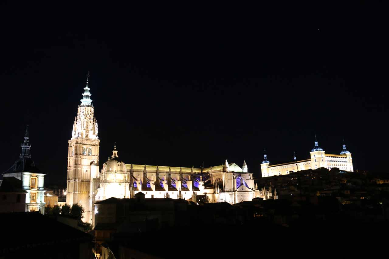 Back at the rooftop terrace of our hotel. Now, we were checking out the lit up Catedral de Toledo and the Alcazar while listening to mumblings of the rocking concert by Asfalto