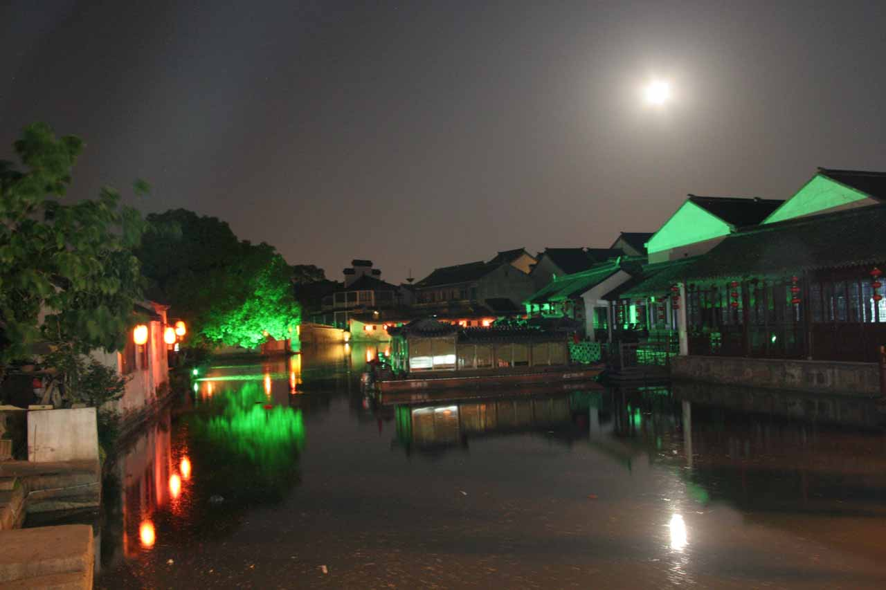 Bright moon over Tongli Canal