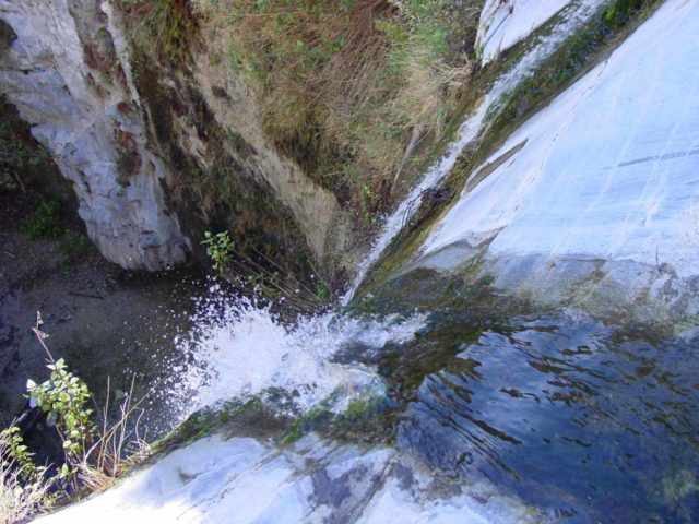 Trail_Canyon_Falls_007_12302002