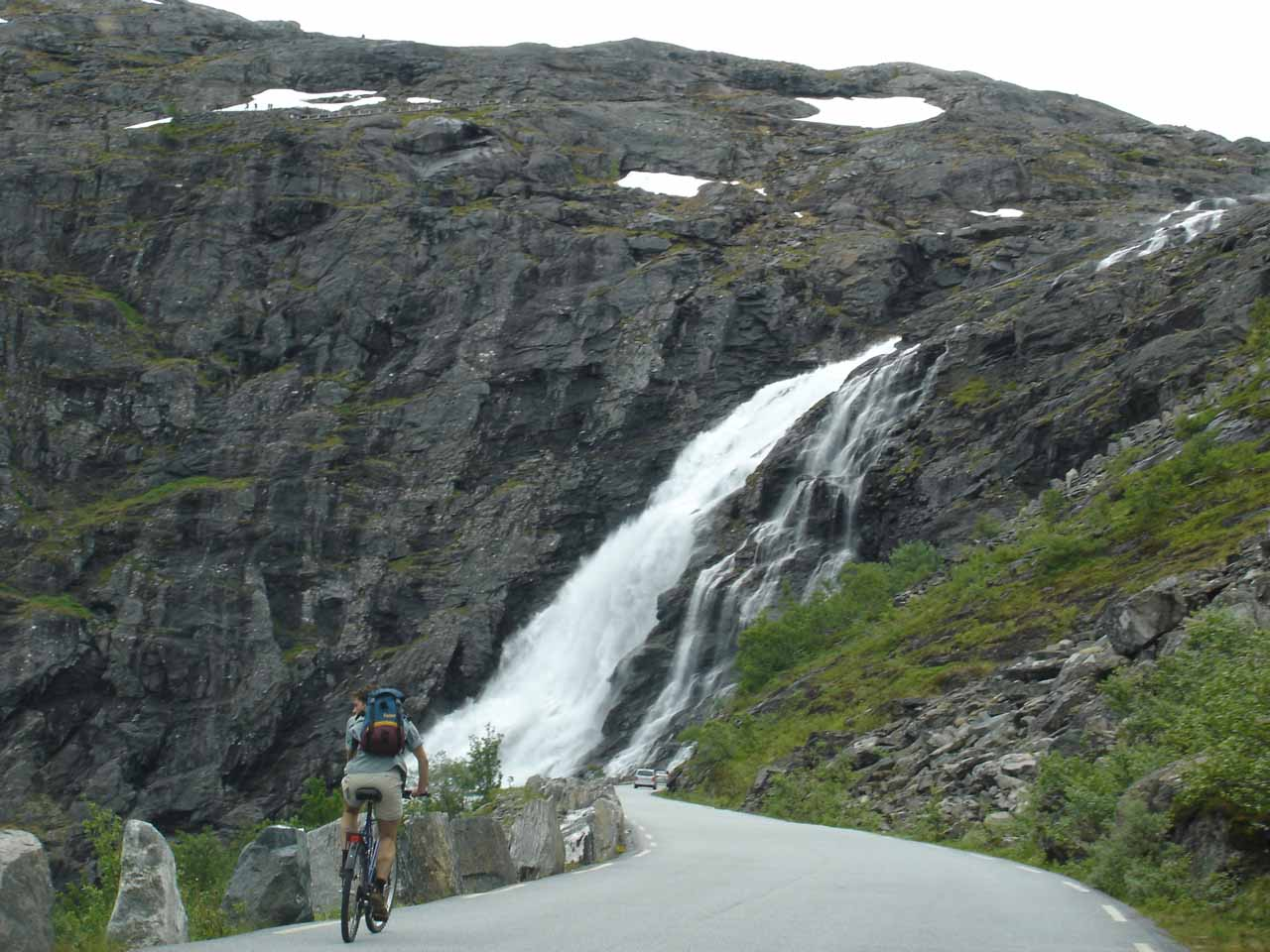 Following someone on a bike as we were approaching a switchback near the top of Stigfossen