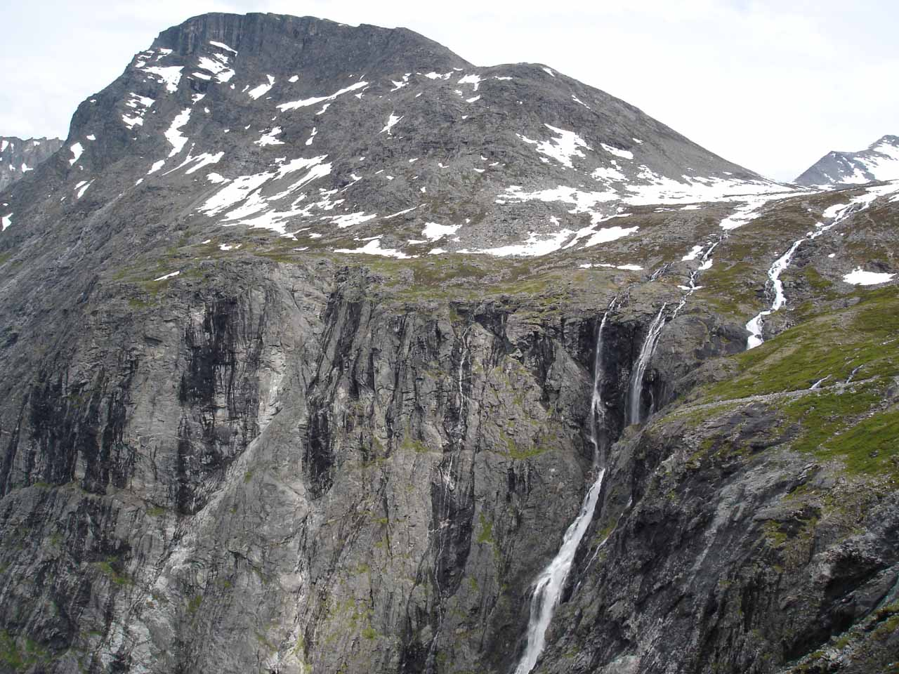 Looking towards Storgrovfjellet and the top of Tverrdalsfossen from the last stretch of Trollstigen
