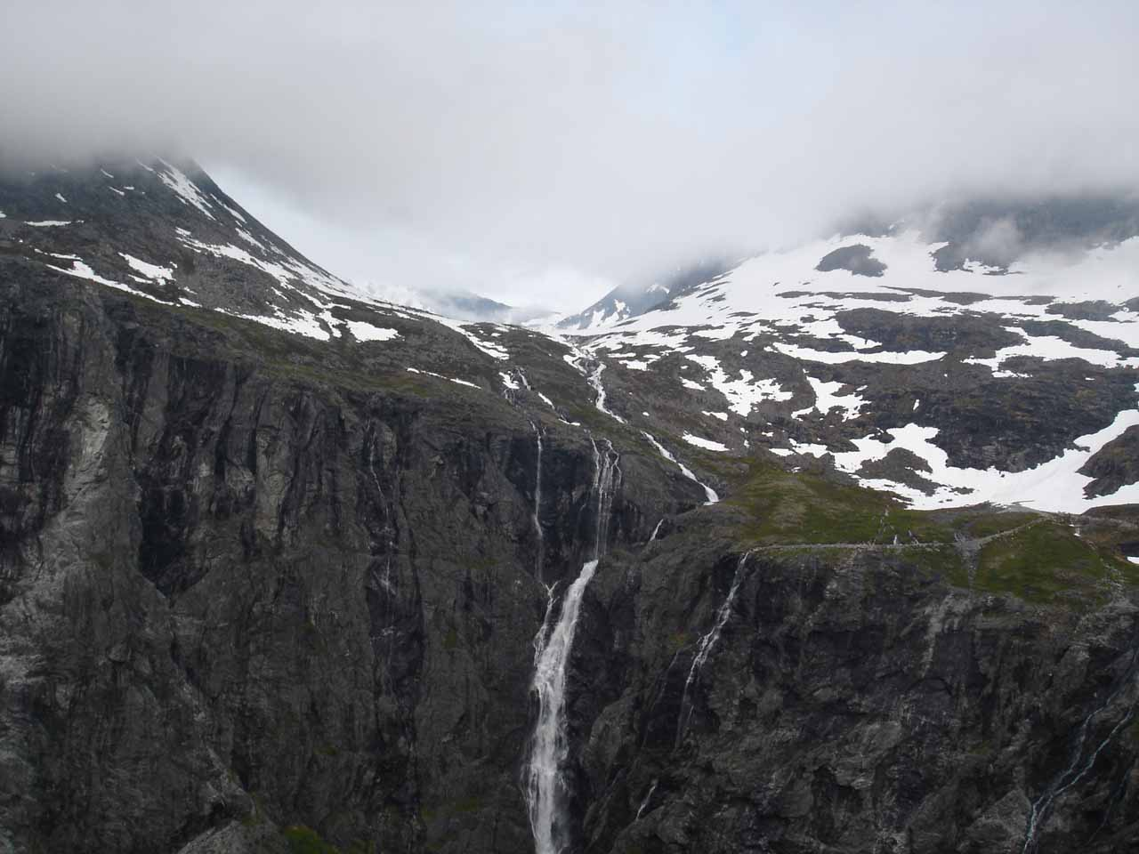 Now we were descending Trollstigen, but it seemed like there were some clouds starting to hang lower later that evening