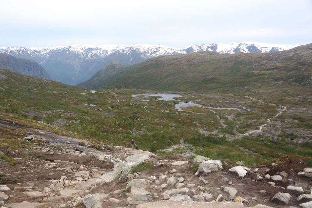 Trolltunga_108_06232019 - Before the 3km point, I had to go through a brutally long ascent gaining nearly 400m in about 1.25km. This is the view back towards the flat near Mågelitopp