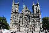 Trondheim_010_07122019 - Back at the familiar front facade of the Nidaros Cathedral in Trondheim
