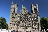 Trondheim_014_07122019 - Back at the familiar front facade of the Nidaros Cathedral in Trondheim
