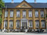 Trondheim_016_jx_07042005 - An impressive wooden government building I believe in Trondheim
