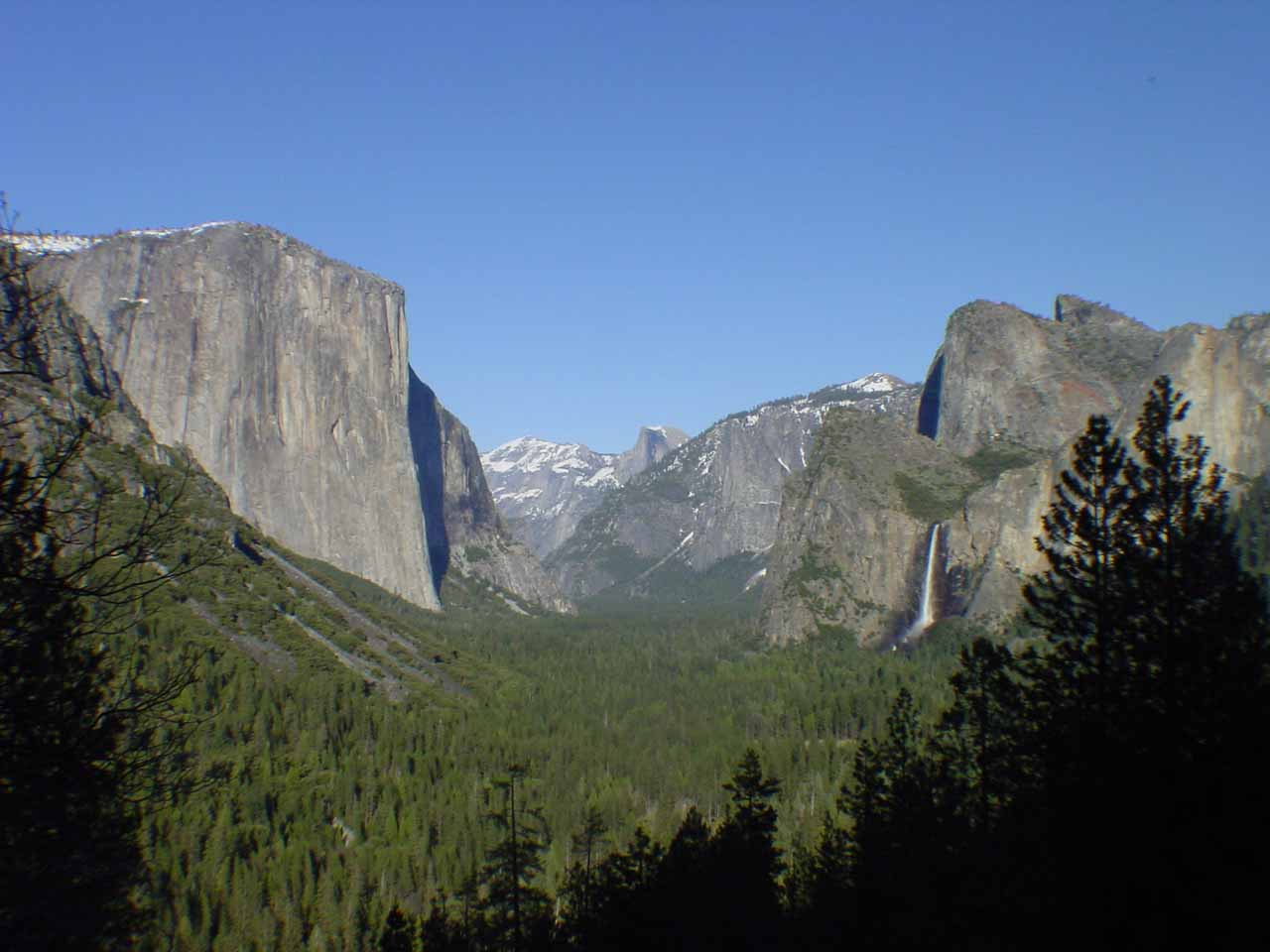 The familiar Gates of Yosemite Valley view from Tunnel Overlook