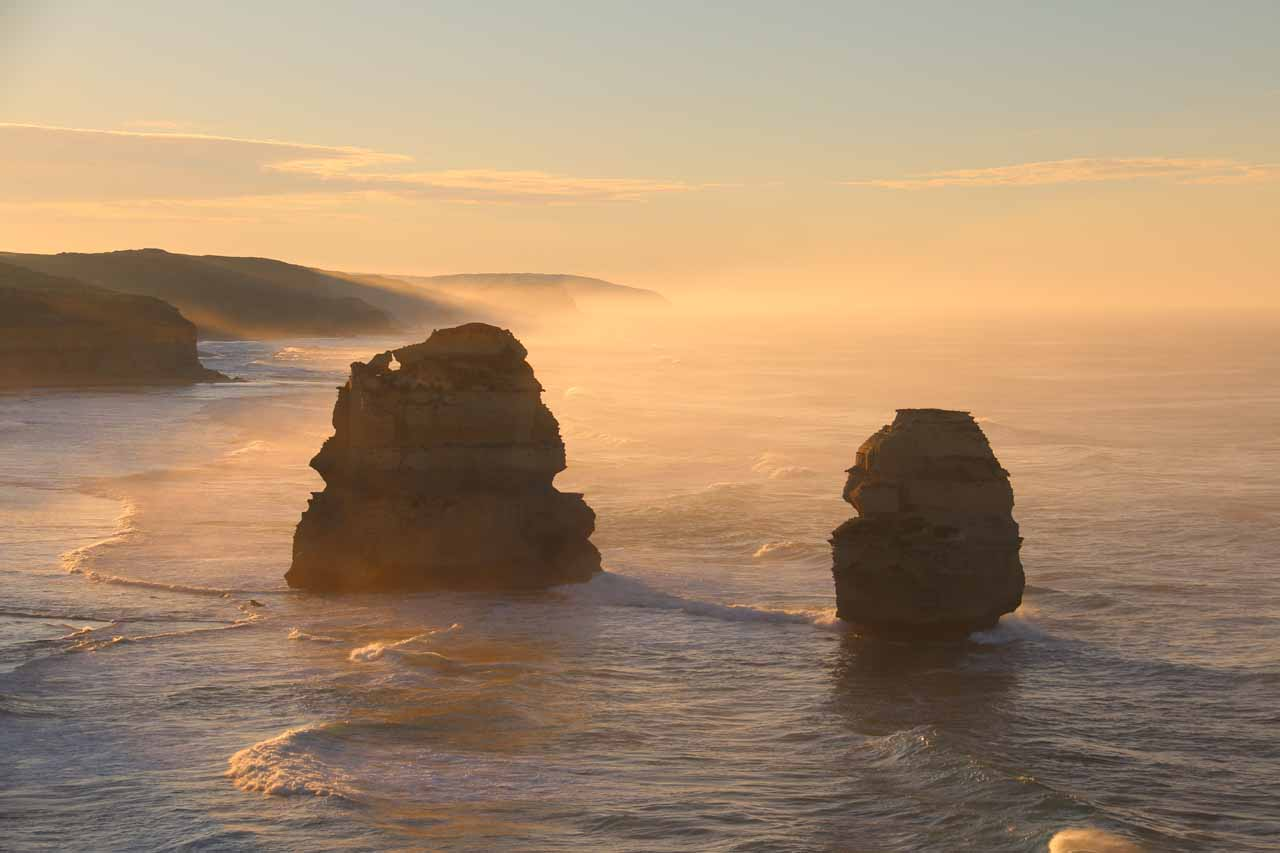 About 91km west of Barramunga (12km east of Port Campbell) along the Great Ocean Road was the Twelve Apostles, which we thought was the signature attraction of the Great Ocean Road