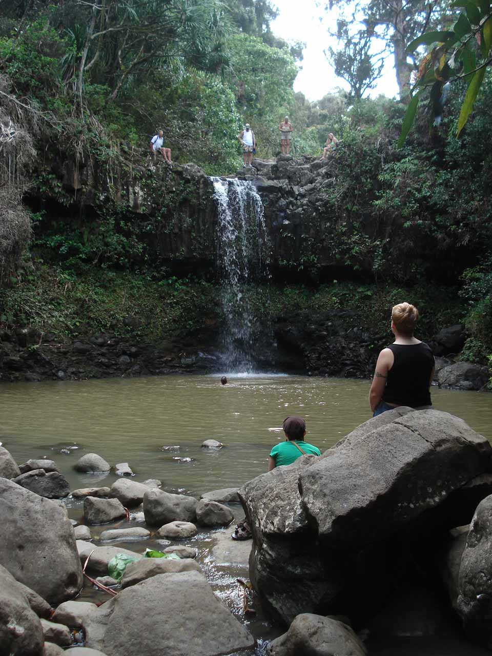 We finally spotted the first Twin Falls, where there were several people ready to take a plunge off its top