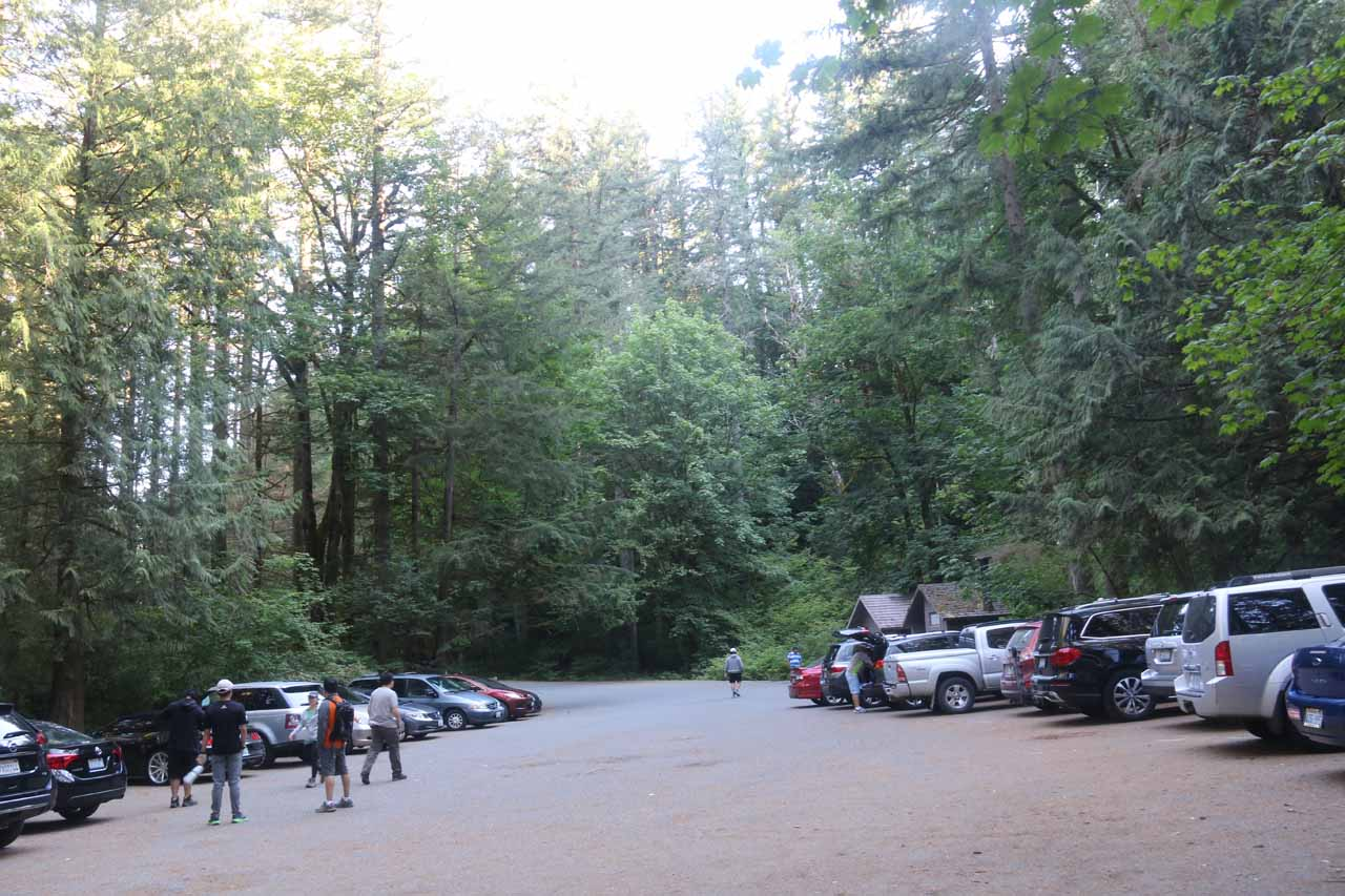 To my surprise, the Twin Falls Trailhead was now quite busy when I finished by hike
