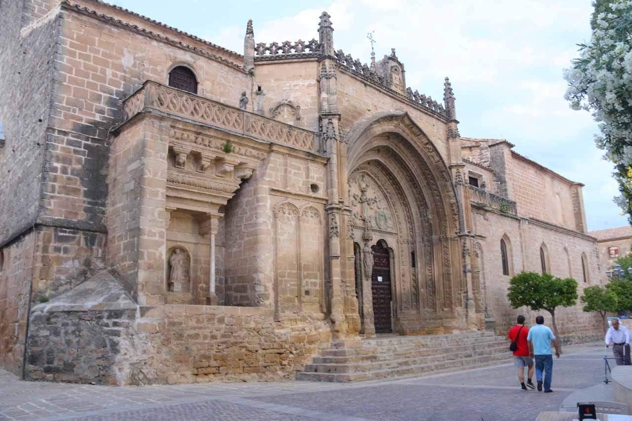 Passing by the church at Plaza de Primero de Mayo in Ubeda on the way to Cafe Moss