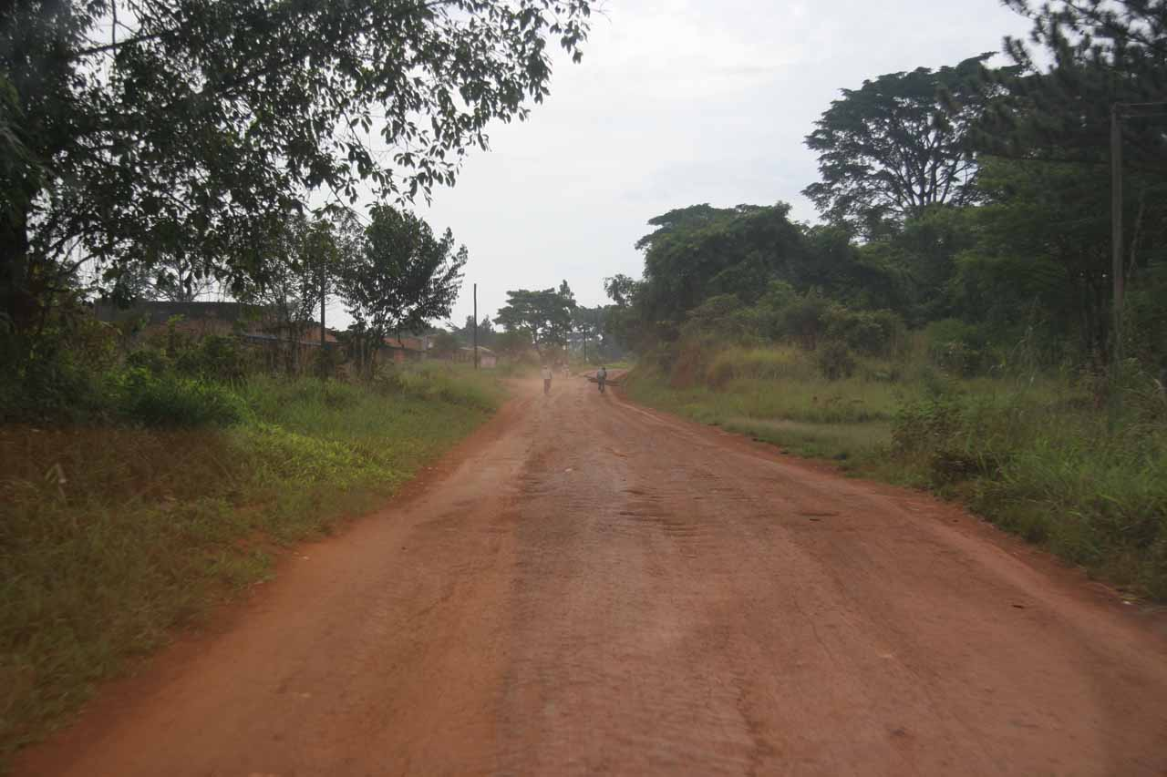 The washboardy road from Hoima to Masindi