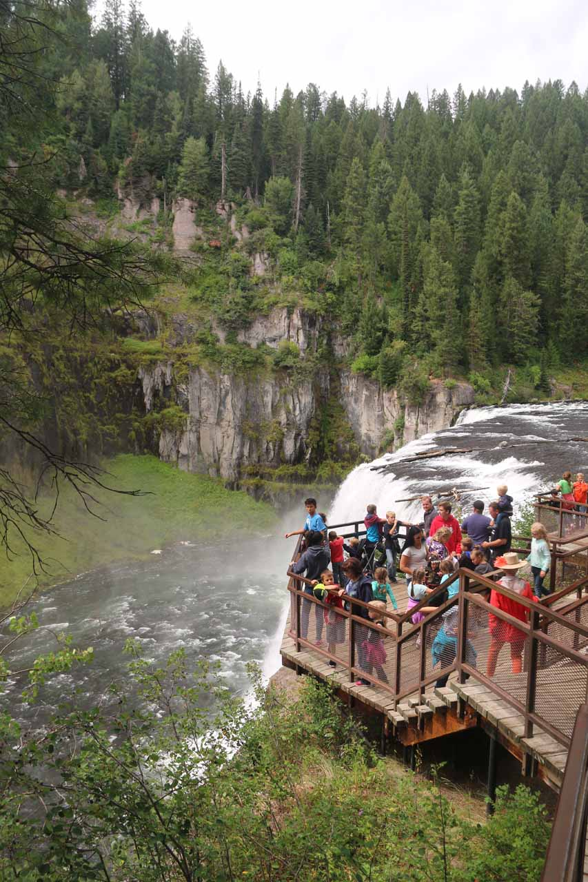 During our August 2017 visit, we happened to have arrived when there was a pretty large group at the brink of the Upper Mesa Falls