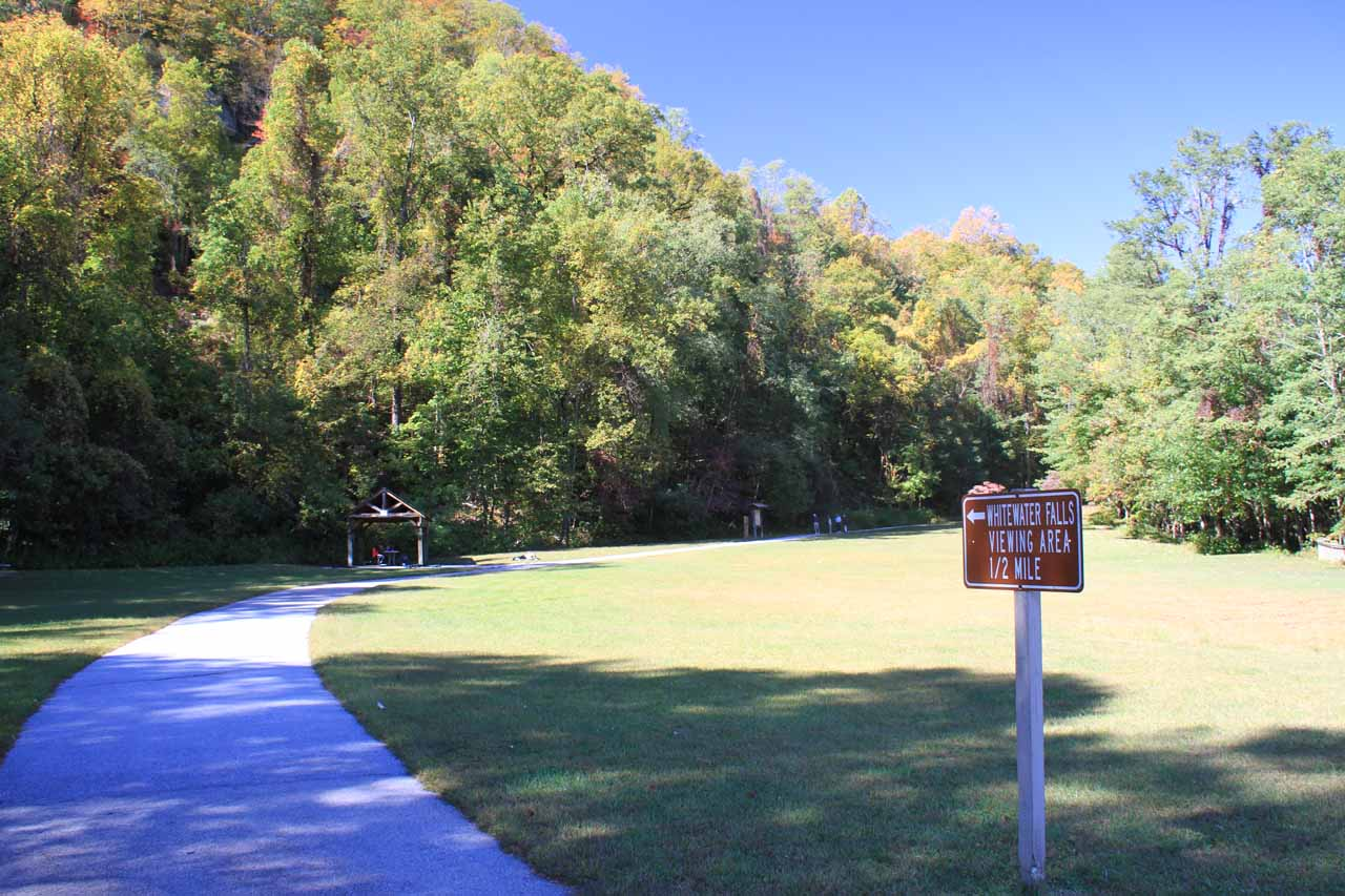 Start of the wheelchair-accessible walk to the upper overlook