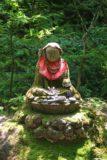 Urami_010_05242009 - Small Buddha statue on the way to the Urami-no-taki