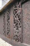 Urnes_stavkirke_019_07202019 - Some elaborate wood carvings on the side of the Urnes Stave Church