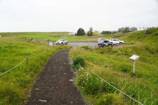 Urridafoss_087_08192021 - Looking back at the context of the car park for Urriðafoss