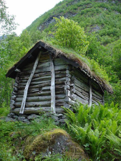 Utladalen_005_jx_06282005 - A turf-roofed cabin seen near the Vettisfossen Trailhead