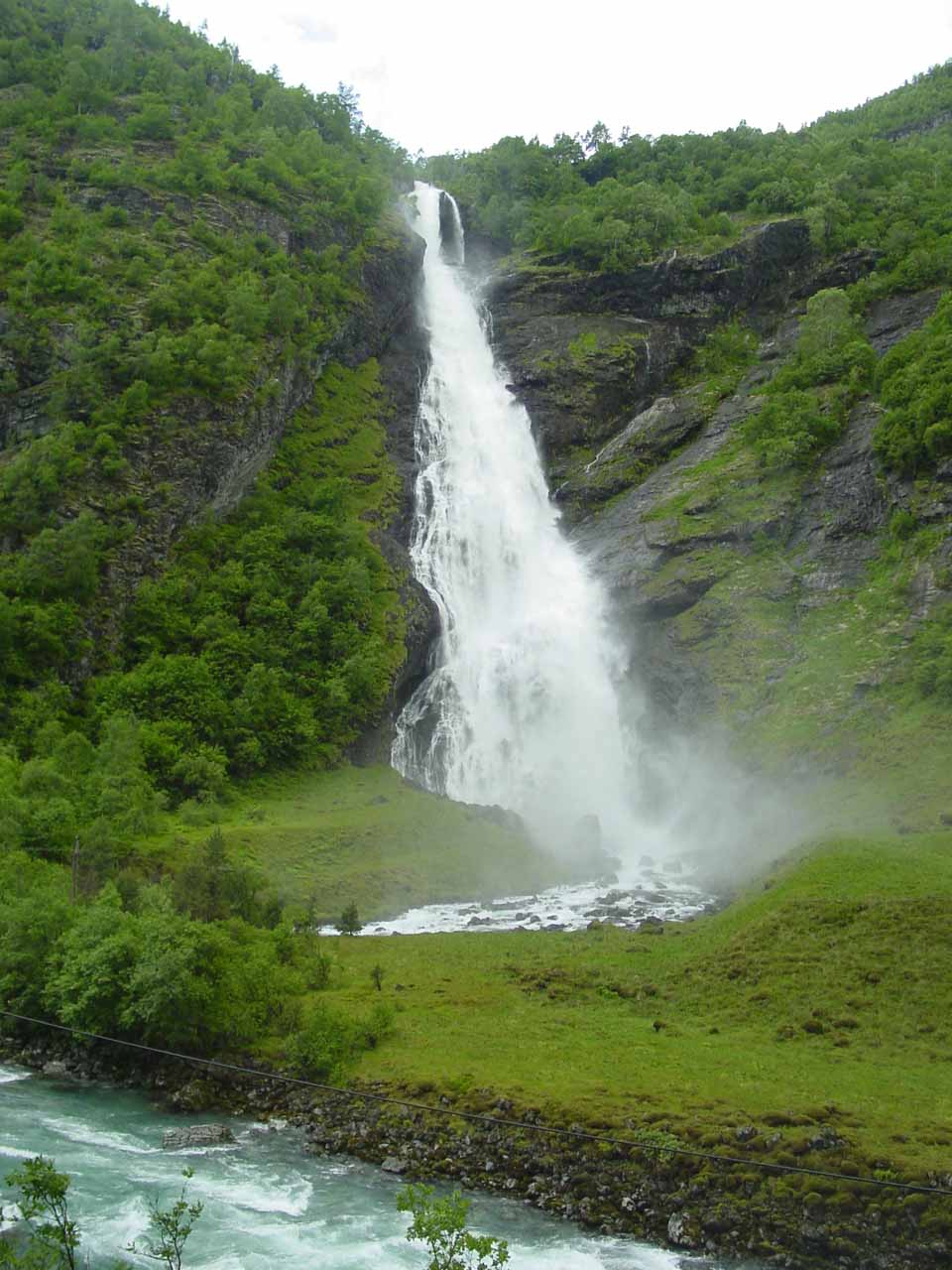 Another major waterfall that we would see later on while hiking into Utladalen was Avdalsfossen