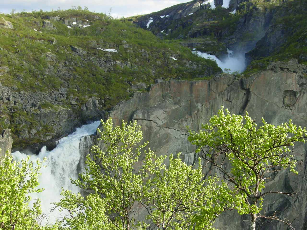 While we were basking in the glory of our accomplishment and the beauty of Valursfossen, we noticed another upper waterfall further upstream, which our maps identified as Røvskorfossen