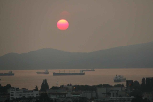 Vancouver_309_08012017 - Even though the destructive BC Fires of 2017 resulted in poor air quality and lost structures, it produced some pretty surreal sunsets