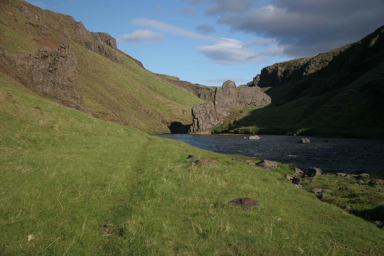 Beyond Stekkjarfoss, we saw this faint grass trail so we continued along it