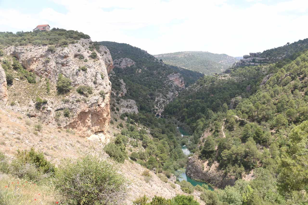 Contextual view of the gorge from the short trail to the Ventano del Diablo