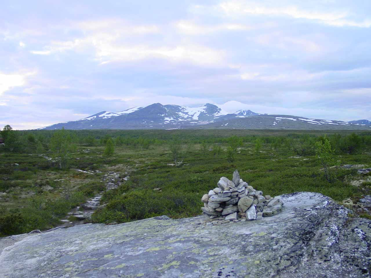 This rock cairn also helped to point out the spur to Vesleulfossen