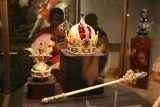 Vienna_141_07082018 - Checking out some of the crowns and scepters in the Royal Treasury of the Hofsburg Palace in Vienna